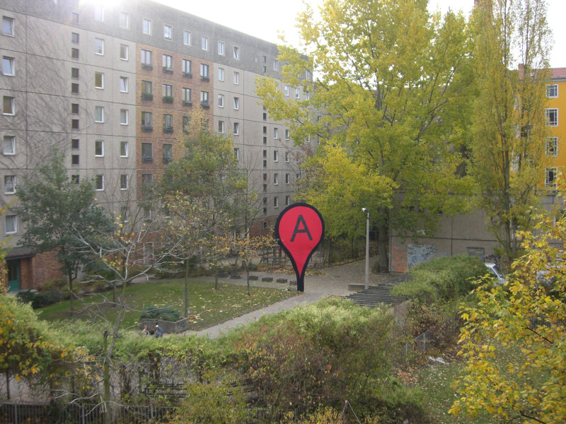 map-pin-aram-bartholl-2006-berlin
