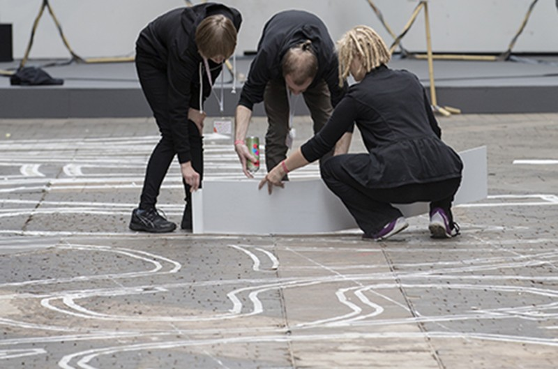 are-you-human-chalk-drawing-node15-07