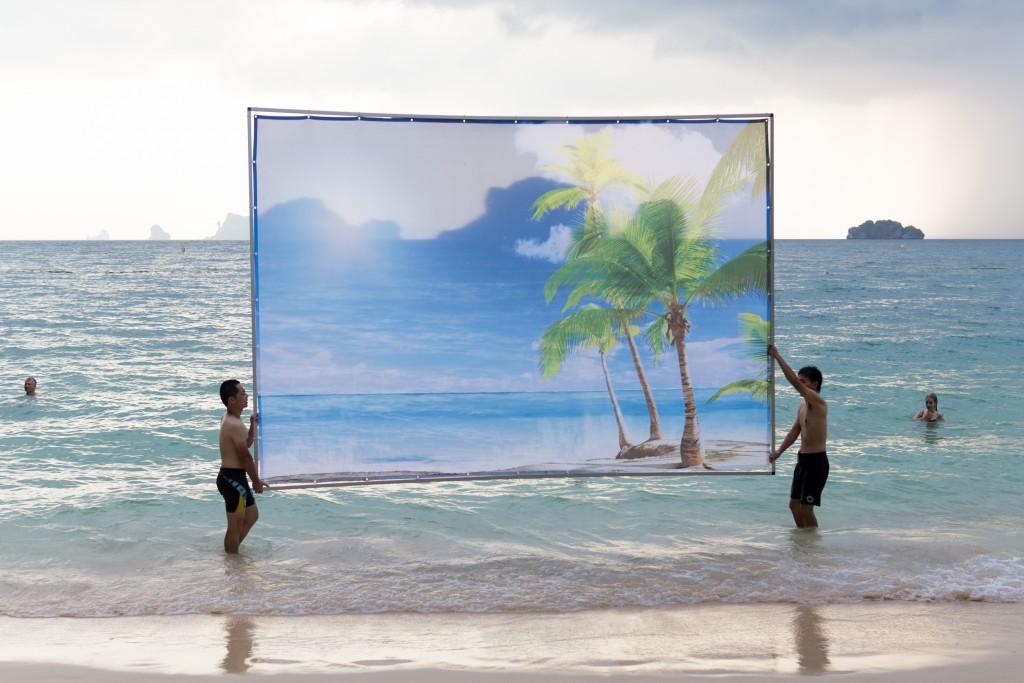 Aram Bartholl, The Perfect Beach