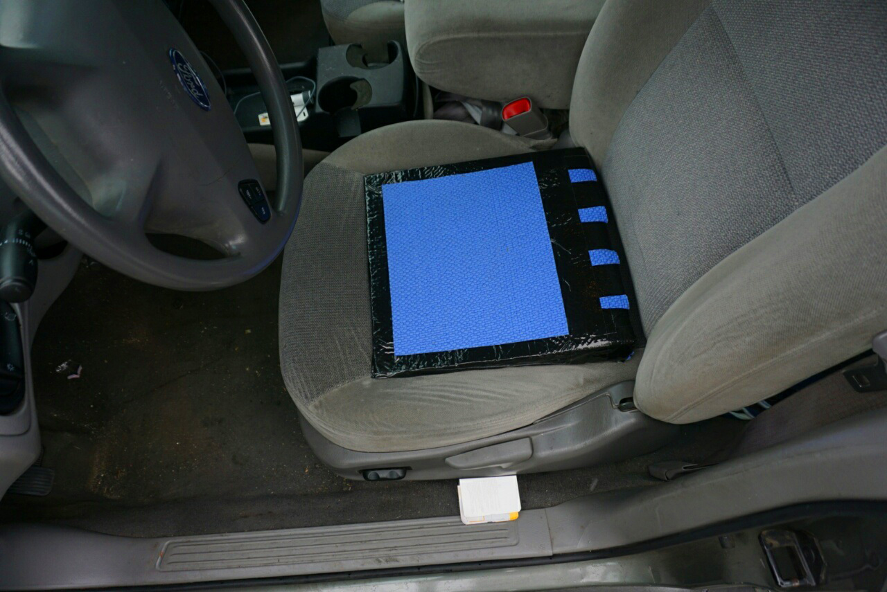 diy-car-seat-cushion-wedge-3
