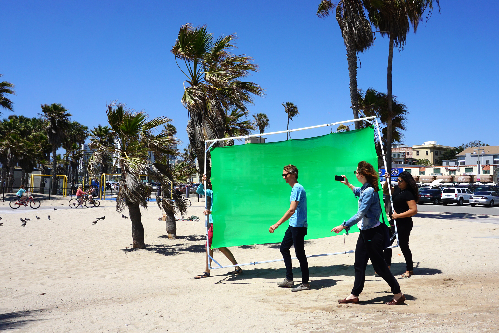 going-to-the-beach-venice-los-angeles